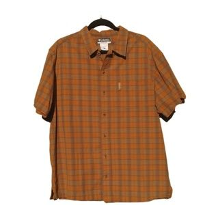 Columbia Short Sleeve Casual Button Down Shirt
